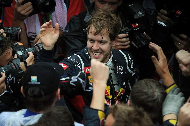 Vettel supera acidente e chuvadas em Interlagos