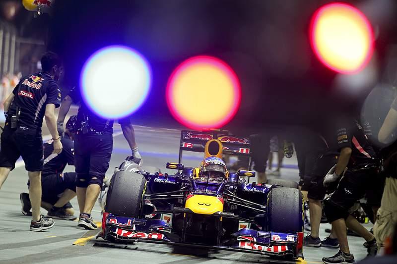Vettel mais rápido na 3.ª sessão de treinos livres