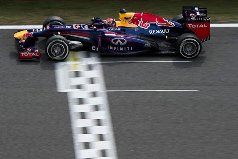 Vettel larga na frente do GP da Coreia do Sul