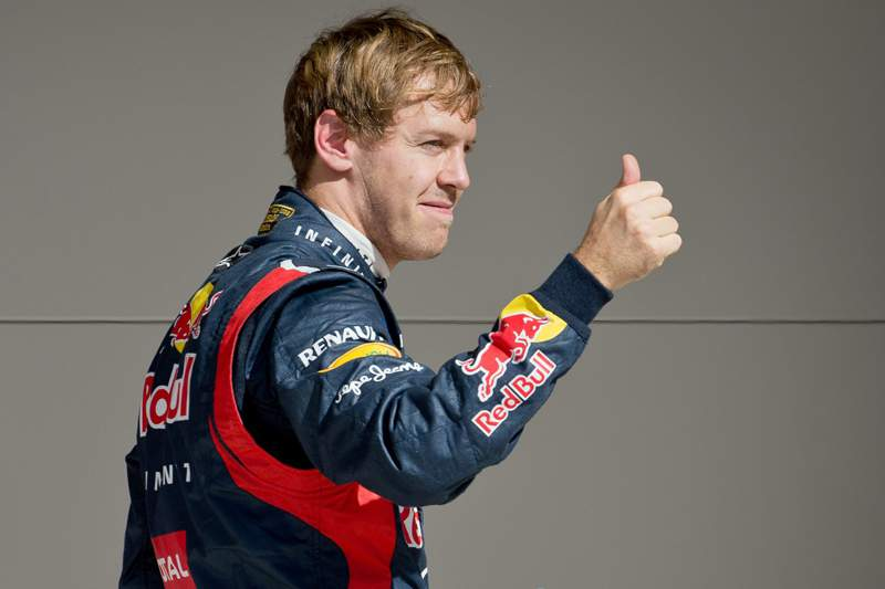 Vettel renova com a Red Bull até 2015