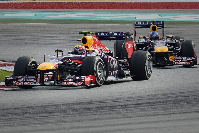 Vitória polémica na Malásia cria tensão na Red Bull