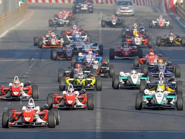 Programa do Grande Prémio com sete corridas a disputar em novembro