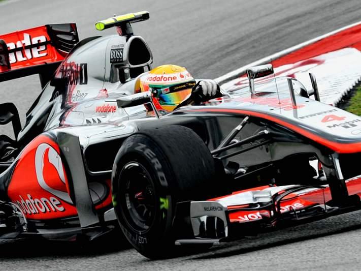 Hamilton mais rápido na primeira sessão de treinos