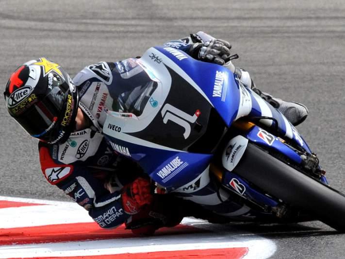 Lorenzo bate recorde do circuito e sai da pole em Brno