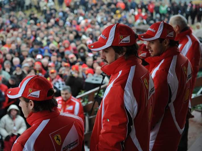 Ferrari cancela apresentação
