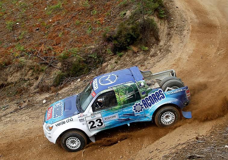 Açores Team de regresso às competições com Mazda BT 50 renovada