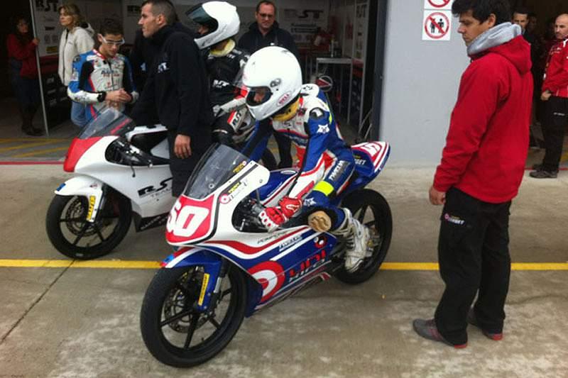 Português de 13 anos vai participar no campeonato alemão de superbikes IDM