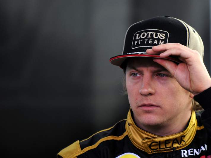 Kimi Raikkonen renova com a Lotus