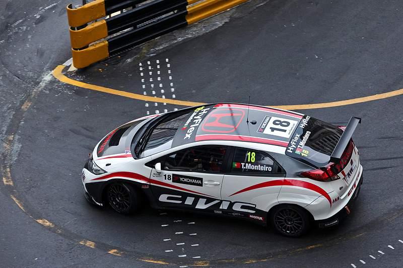 Tiago Monteiro em quarto nos primeiros treinos de Macau