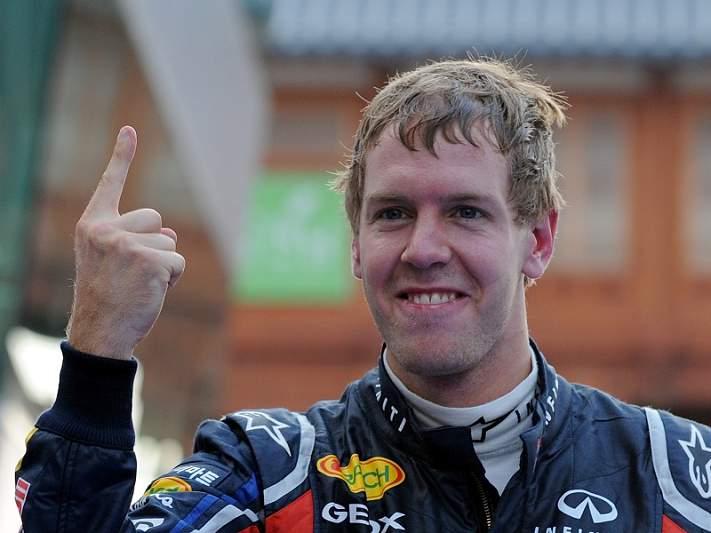 Vettel pode tornar-se o mais jovem a alcançar três títulos consecutivos