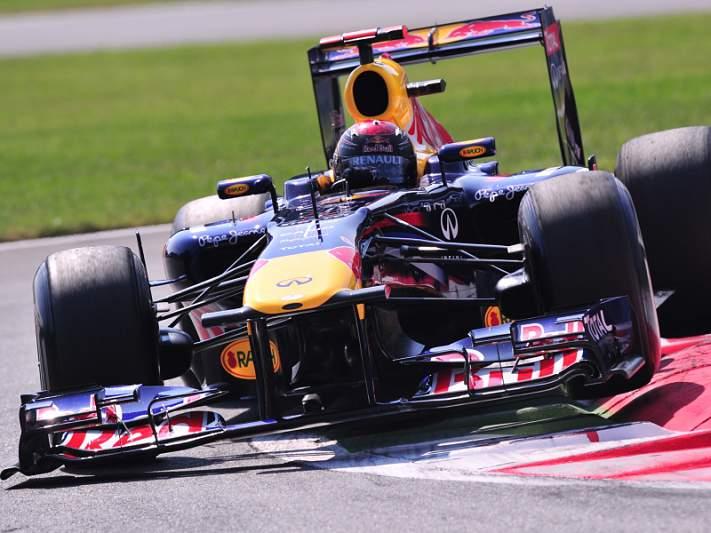 Vettel a um ponto do bicampeonato