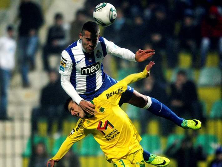 FC Porto desmente negociações por Otamendi