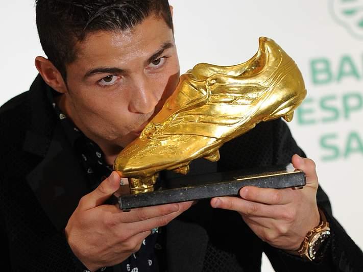 Ronaldo na equipa do ano da Marca