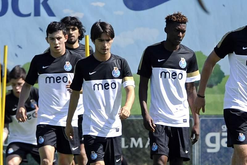 FC Porto conta com Mangala e Izmailov para a final