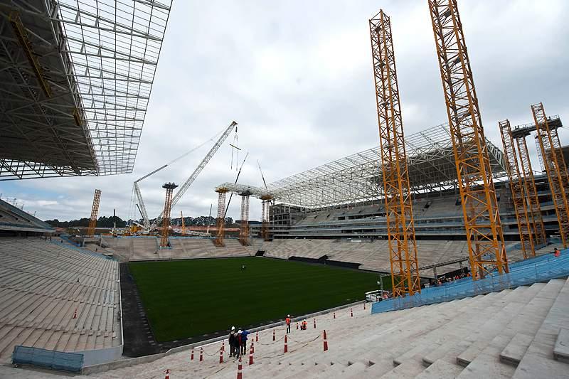 Itaquerão não será excluído do Mundial2014 apesar do acidente