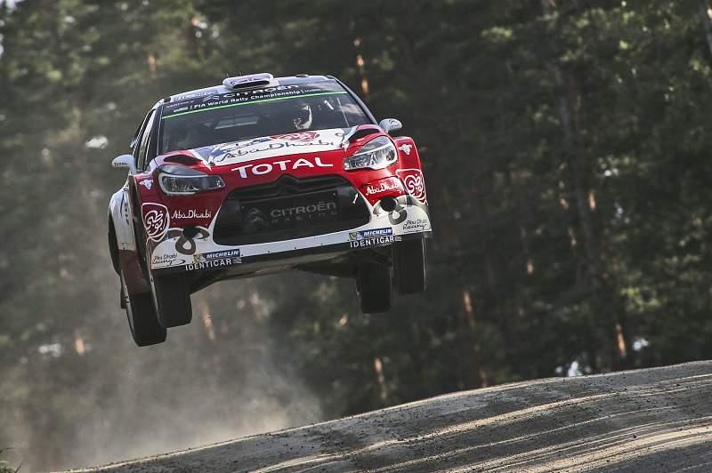 Meeke lidera Rali da Finlândia, Ogier perdeu muito tempo