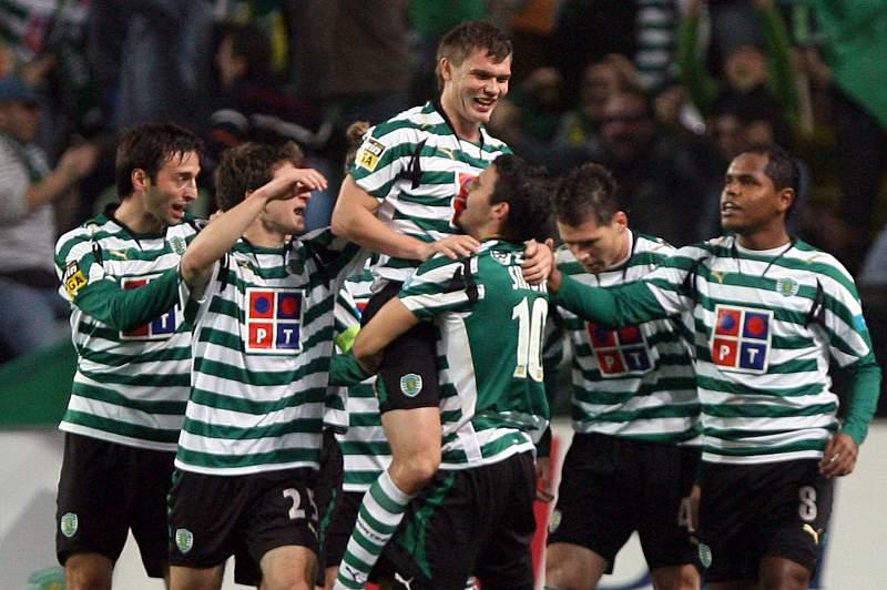 Izmailov selou os três pontos de cabeça no jogo contra o FC Porto