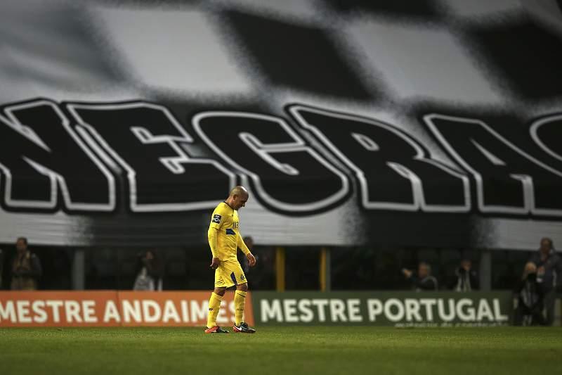 Maxi Pereira expulso