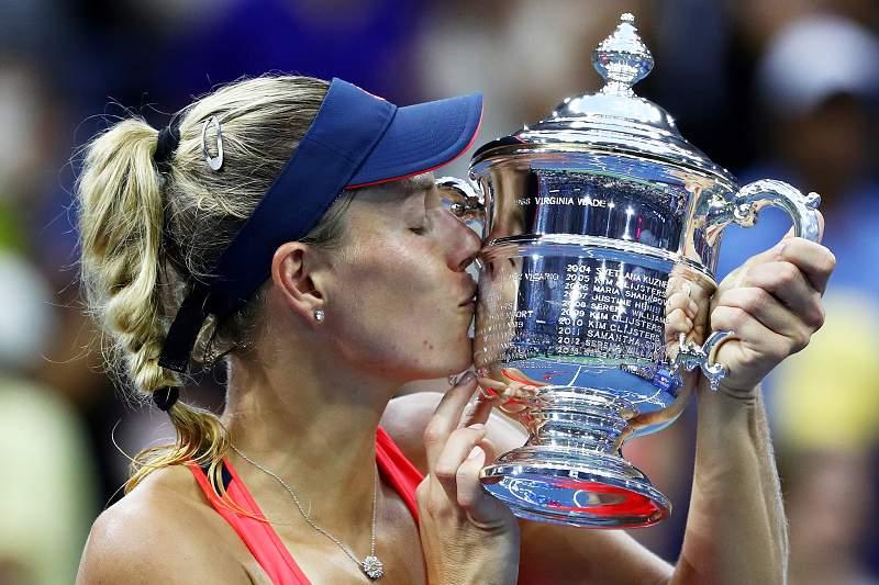 Angelique Kerber coroa liderança com vitória no US Open