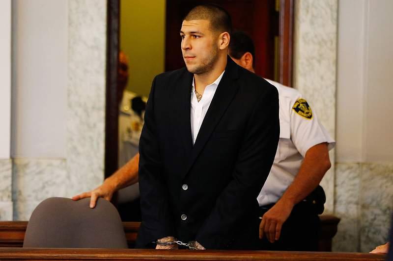 Aaron Hernandez prepara-se para cumprir prisão perpétua