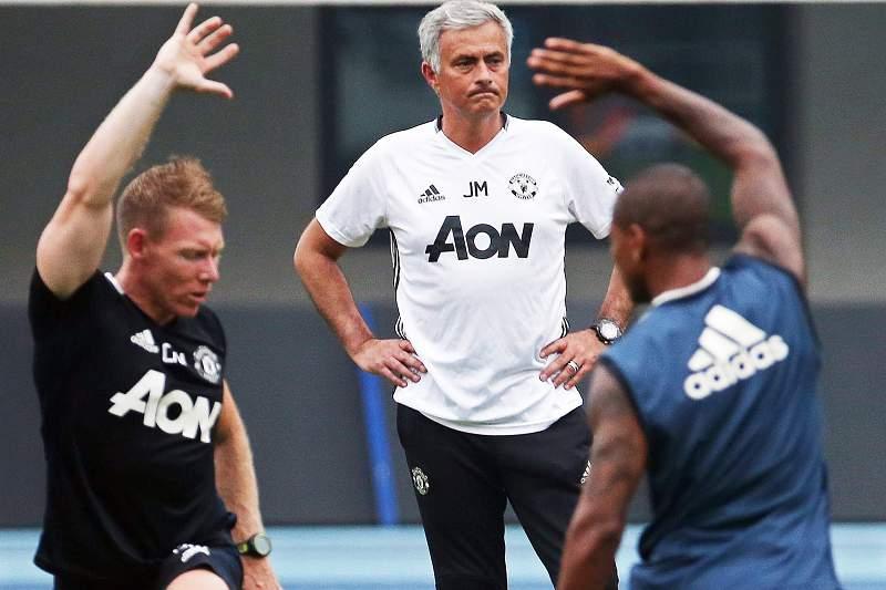 Mourinho num treino do Manchester United