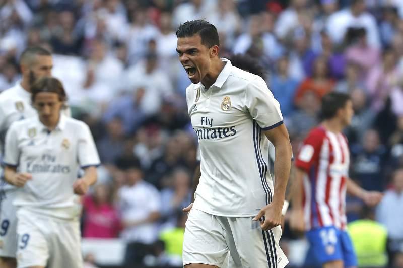 Pepe com proposta do PSG para se manter na Europa