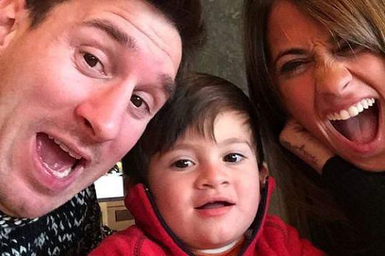 Filho de Messi vai integrar escolas do Barça