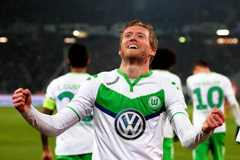 André Schurrle festeja golo do Wolfsburgo