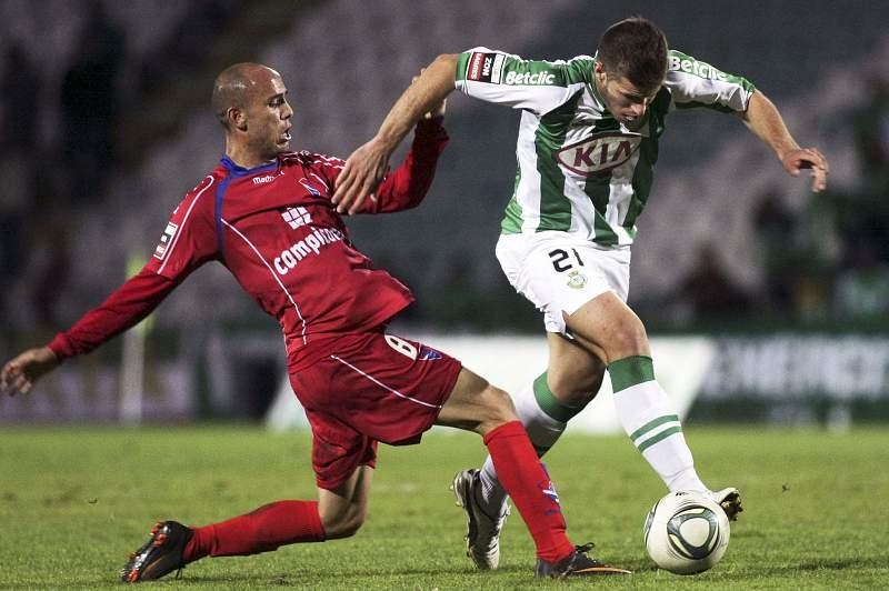 João Silva em ação pelo Vitória de Setúbal