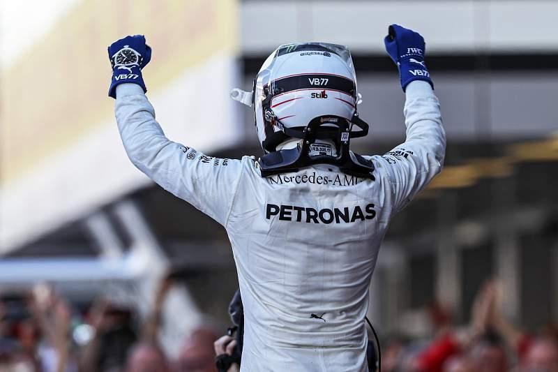 Valtteri Bottas triunfa na Rússia
