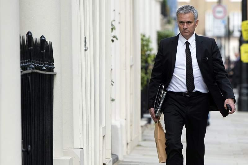 Mourinho, perto da sua casa em Londres
