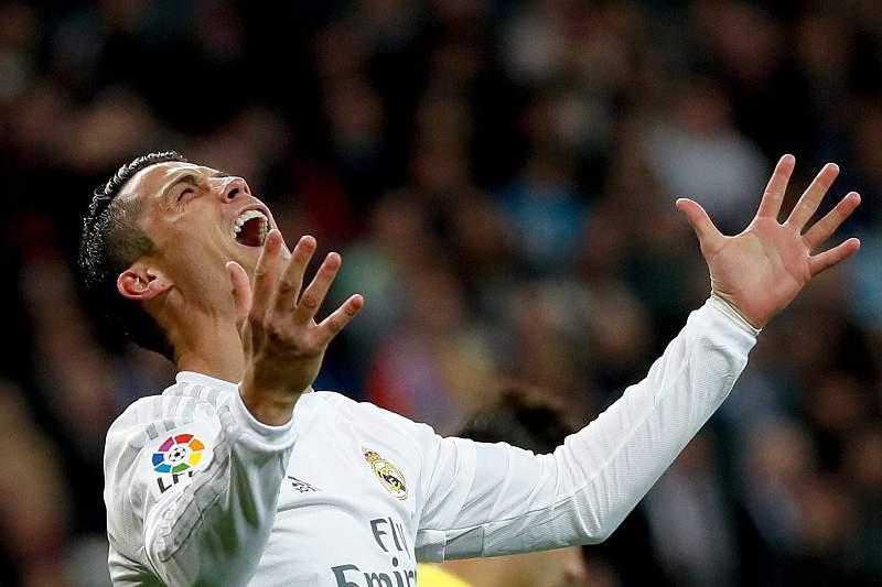 Cristiano Ronaldo reage ao falhar um golo contra o Villarreal