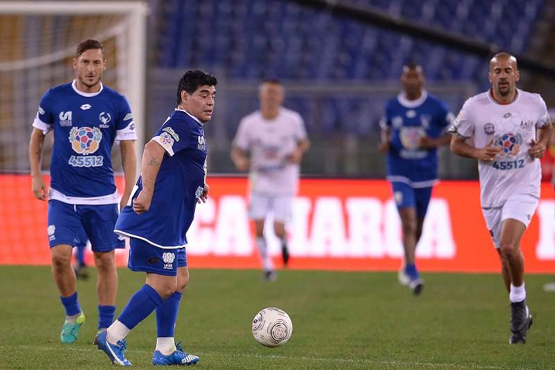Rui Costa e Maradona no