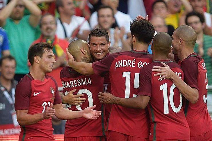 Seleção festeja golo
