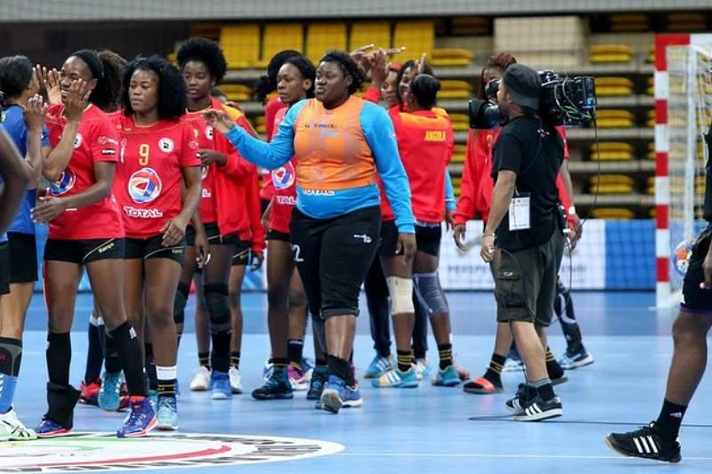 Angolanas estreiam-se com triunfo sobre a Roménia