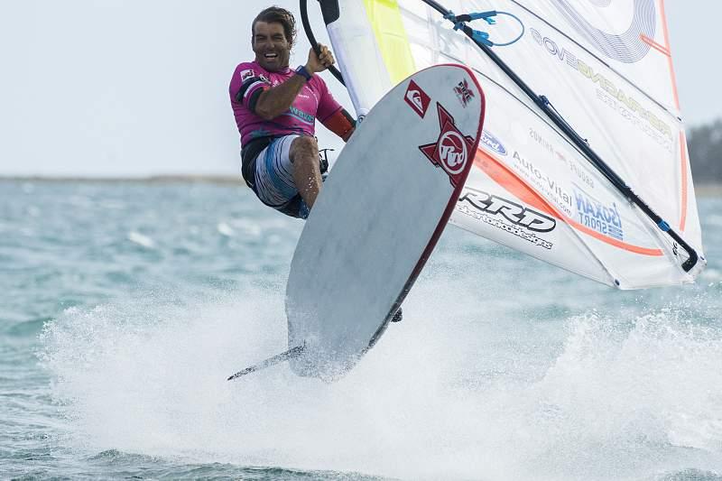 Antoine Albeau em Anse Vata na etapa final do Circuito Mundial de Windsurf 2014
