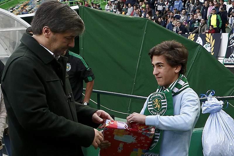 Bruno de Carvalho com um adepto do Sporting