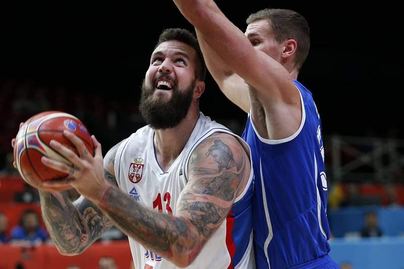 Miroslav Raduljica em destaque na vitória da Sérvia sobre a Finlândia