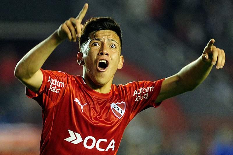 Ezequiel Barco, jovem extremo do Independiente
