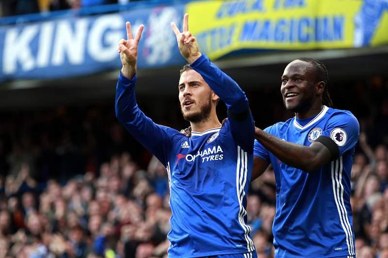 Eden Hazard comemora o 2-0 pelo Chelsea diante do Leicester