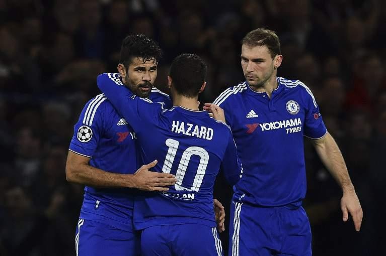 Jogadores do Chelsea celebram um golo ao FC Porto