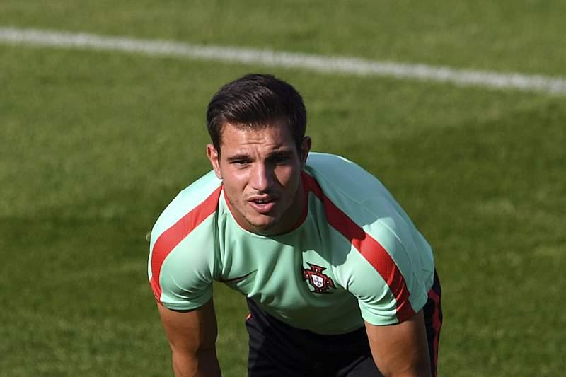 Cédric Soares durante um treino da Seleção Nacional