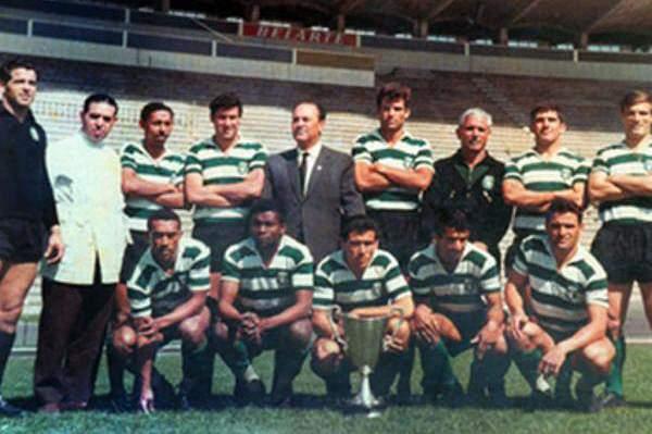 Faz hoje 53 anos que o Sporting fez história frente ao Manchester United