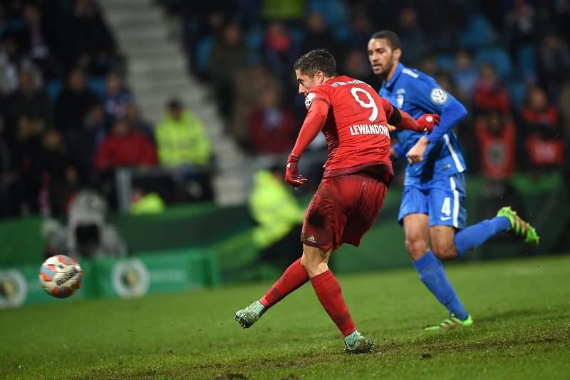 Lewandowski finaliza uma jogada do Bayern