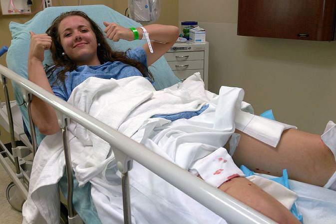 Caitlyn Taylor escapou da boa e ganhou uma bela história para contar, quando se deparou com um ataque do um tubarão numa praia de Destin, na Florida.