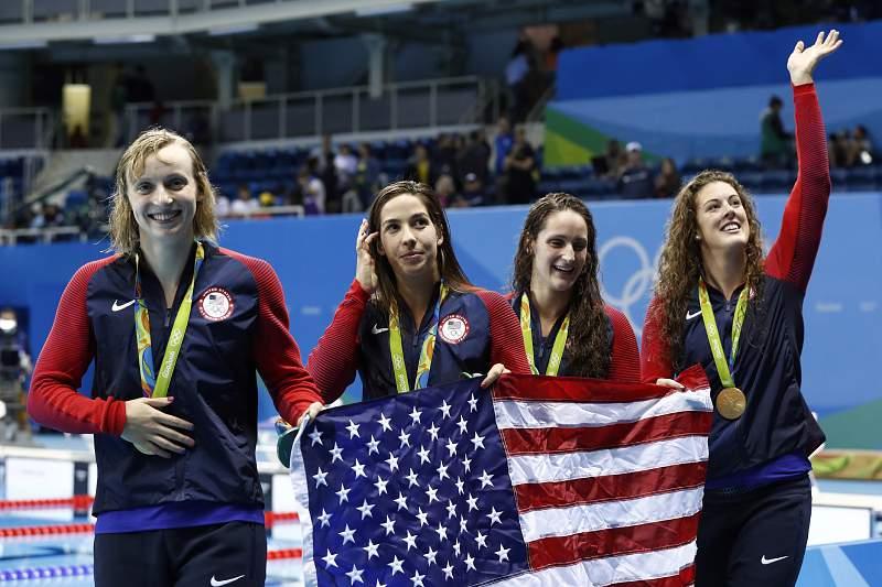 Estafeta norte-americana conquista ouro nos 4x200 metros livres