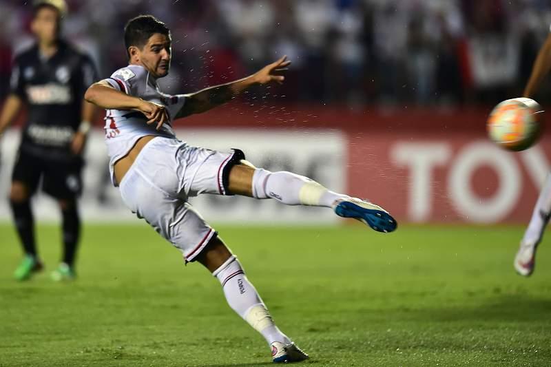 Benfica perguntou por Alexandre Pato