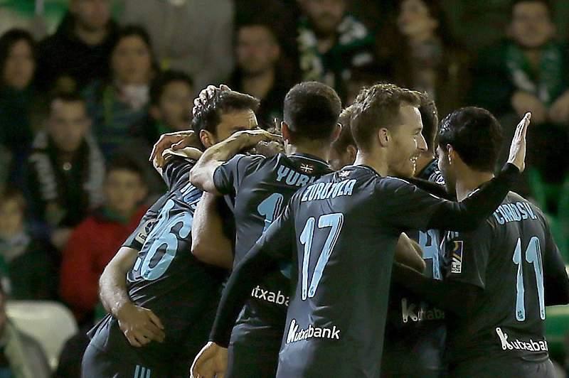 Real Sociedad festeja golo