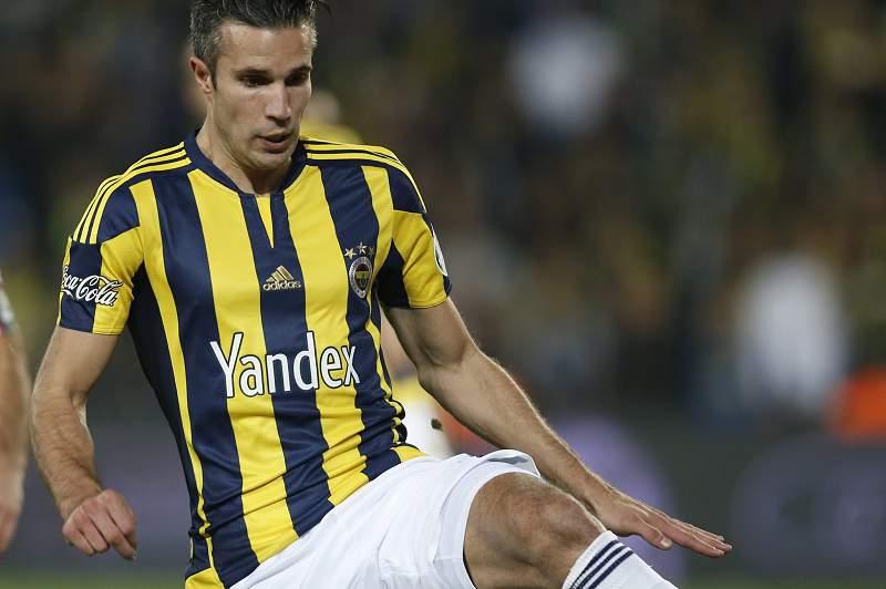 Van Persie em ação pelo Fenerbahçe