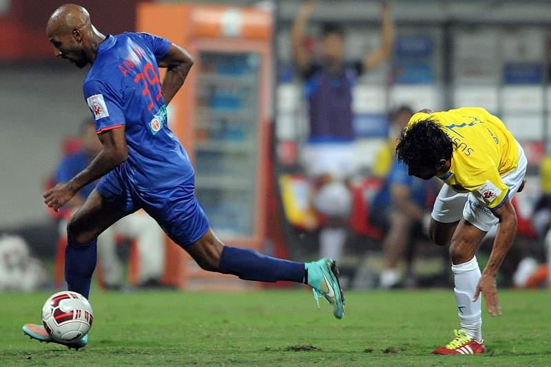 Anelka estreia-se a marcar na Índia com um «golaço»